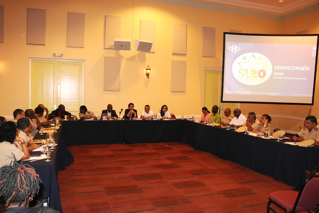Biza evalueert werkafspraken met districtscommissarissen