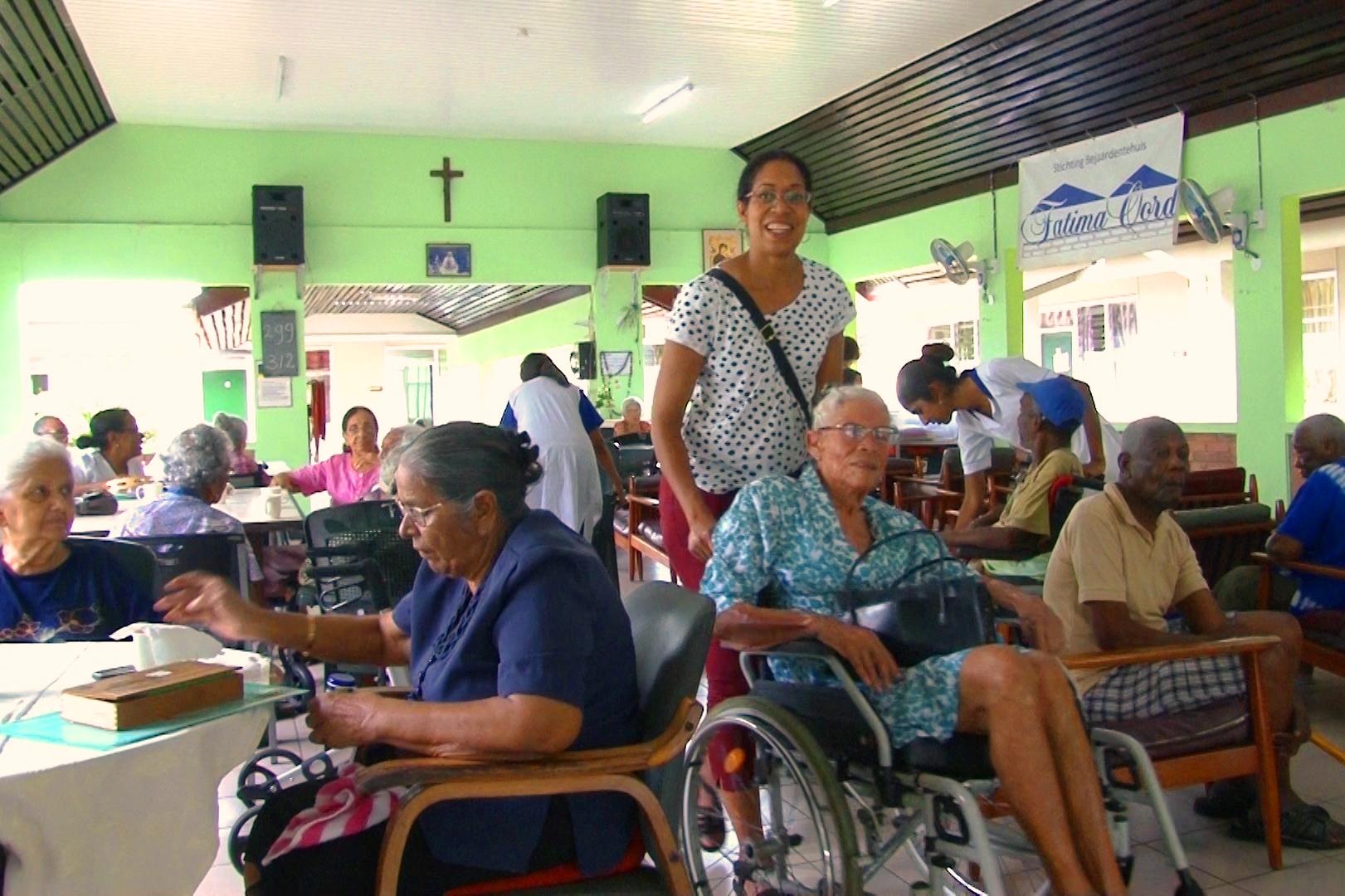 Mobiele unit E-id doet bejaardentehuizen aan
