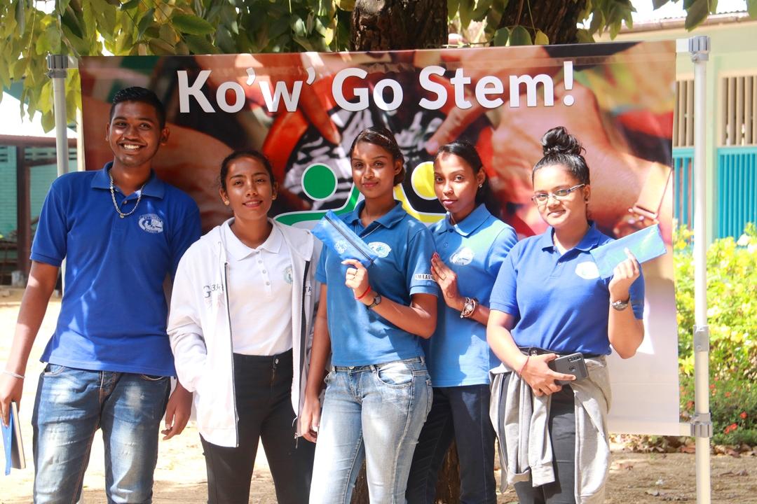 Commissie Voorlichting Verkiezingen doet Scholengemeenschap Nickerie aan