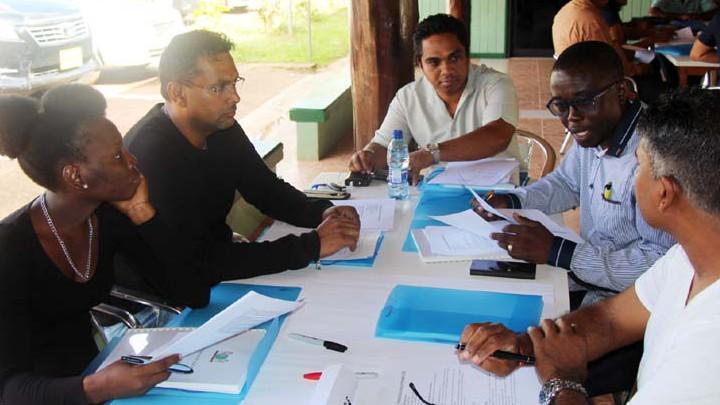 Biza en OKB evalueren met stakeholders verkiezingen 2015